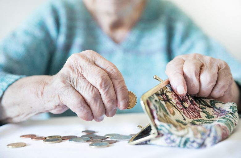 ÖVP, Grüne und Neos verhindern abschlagsfreie Pension für BeamtInnen!